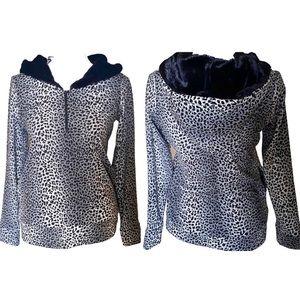 Jun Women's Golf & Every Wear Gray Leopard Sweater